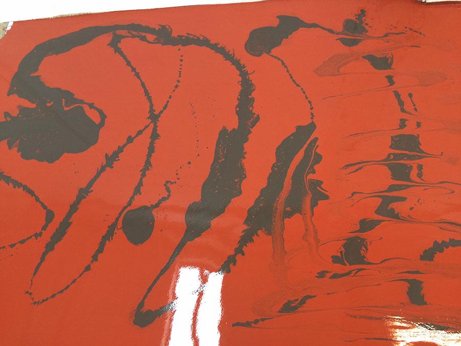 gespachtelter Boden rot schwarz